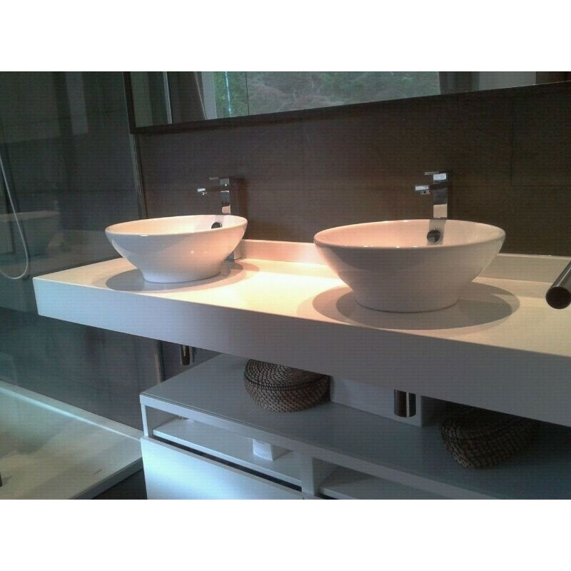 Baño Silestone blanco zeus extrem canto ingletado 10 cms